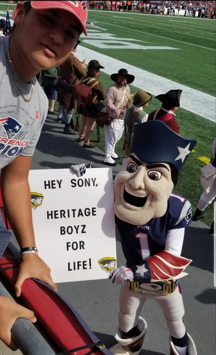 Senior Heritage DT & G Jeremy Hernandez showing support for @Flyguy2stackz at yesterday's @Patriots game! #TeamHeritage