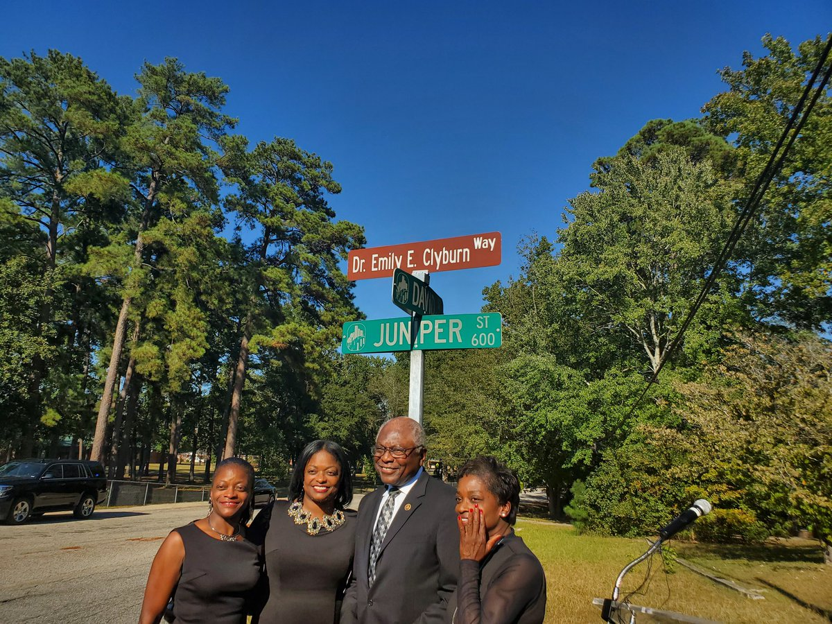 On the day this amazing lady was laid to rest, the City is honored to unveil the honorary re-naming of Juniper Street in the Greenview community as Emily E. Clyburn Way. May the love this community has for Ms Emily bring some comfort to her family during this time.