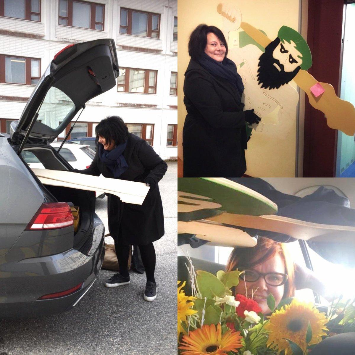 @viita_johanna @aija_tuimala @EtelaKarjala @kuntatyonantaja Upea pari ja kuva! Tässä muutama kuva Nuijamiehemme matkasta Lapin liiton toimistolta Rovaniemeltä tänä aamuna Tornioon #AboveOrdinary-seurassa ja kukkien keskellä ❤