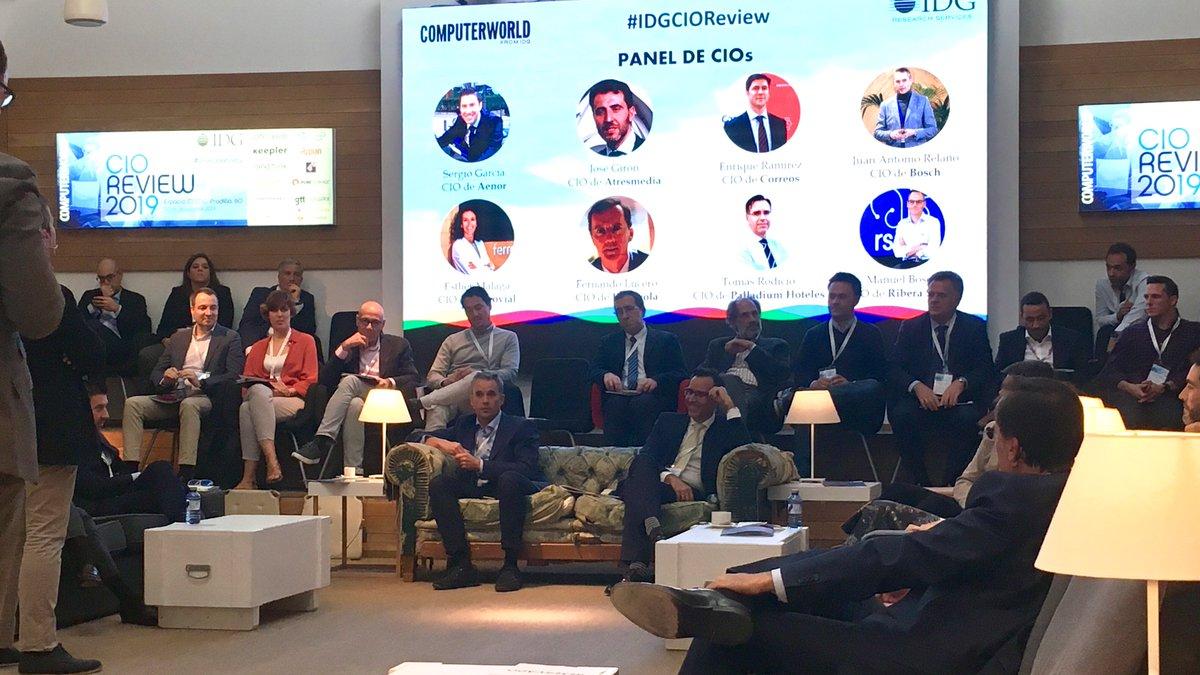 Todos los CIOs invitados a  #IDGCioreview, de acuerdo en que la #Innovación es un factor decisivo a la hora de aportar experiencias positivas a sus clientes para así ofrecer un valor añadido a sus servicios.