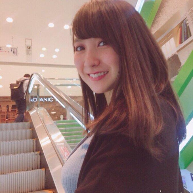 グラビアアイドル紺野栞のTwitter自撮りエロ画像33