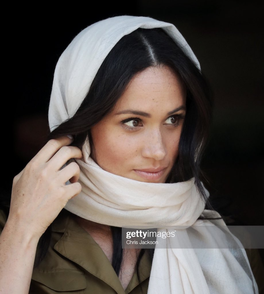 The Duchess of Sussex leaves the Auwal Masjid Mosque in Cape Town today #RoyalTourAfrica