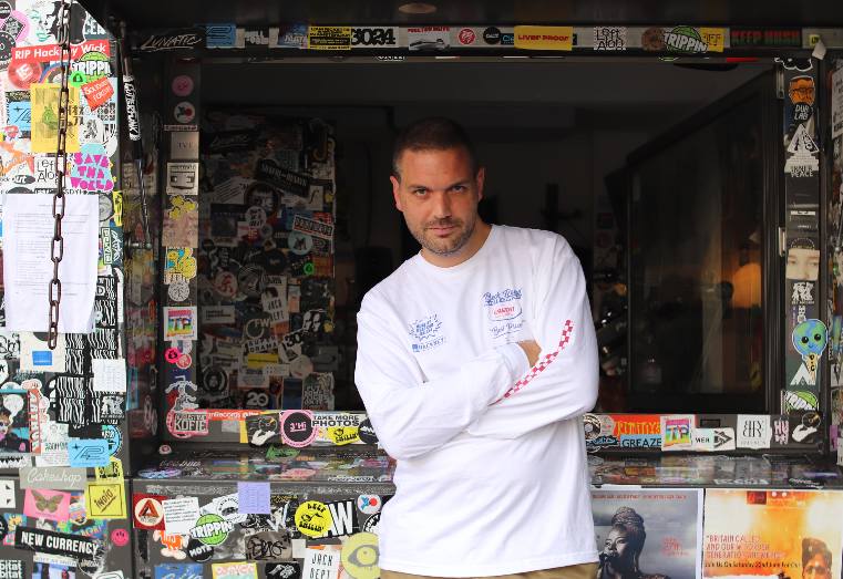 .@tedsdraws throws it back to 94 on this months show - listen live at nts.live/1