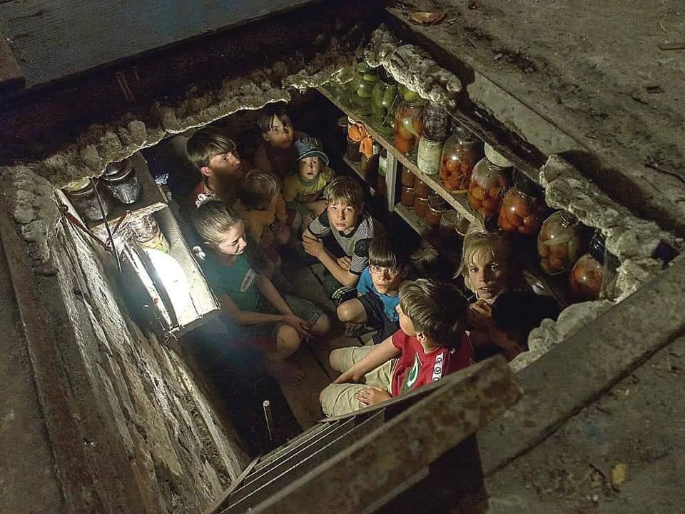 А вот этих детей на трибуну ООН никто не пустит. ООН не до этих детей, у которых одно желание - жить. У ООН есть проблемы посерьёзнее. Климат например. https://t.co/f9hQBNjgNZ
