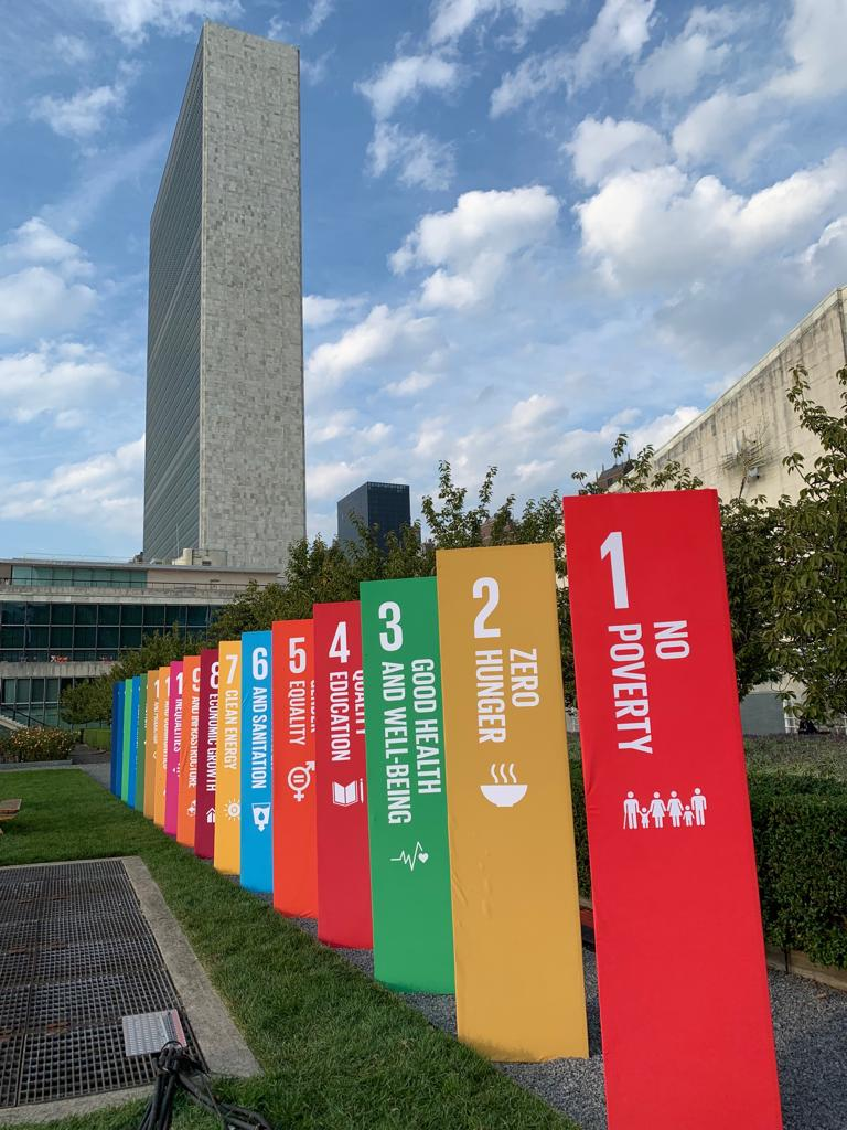The #GlobalGoals standing proud alongside the @UN at #UNGA Who's been to the #SDGActionZone? 👋