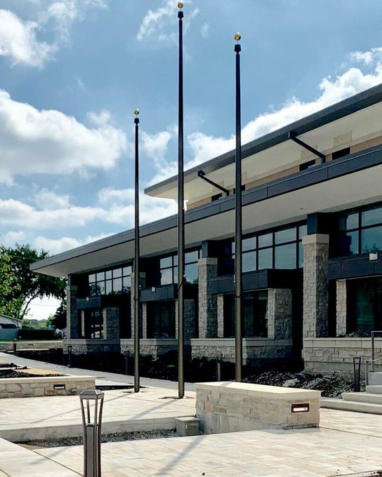 @Countryside #PoliceHQ #JolietRd 2-25' flank a 30' #BronzeAnodized #CamCleat #Flagpoles. #Illinois #Police #Quin #NewConstruction #Municipal #Buildings. https://t.co/G7YaiIyU6T https://t.co/SbfevojDtk