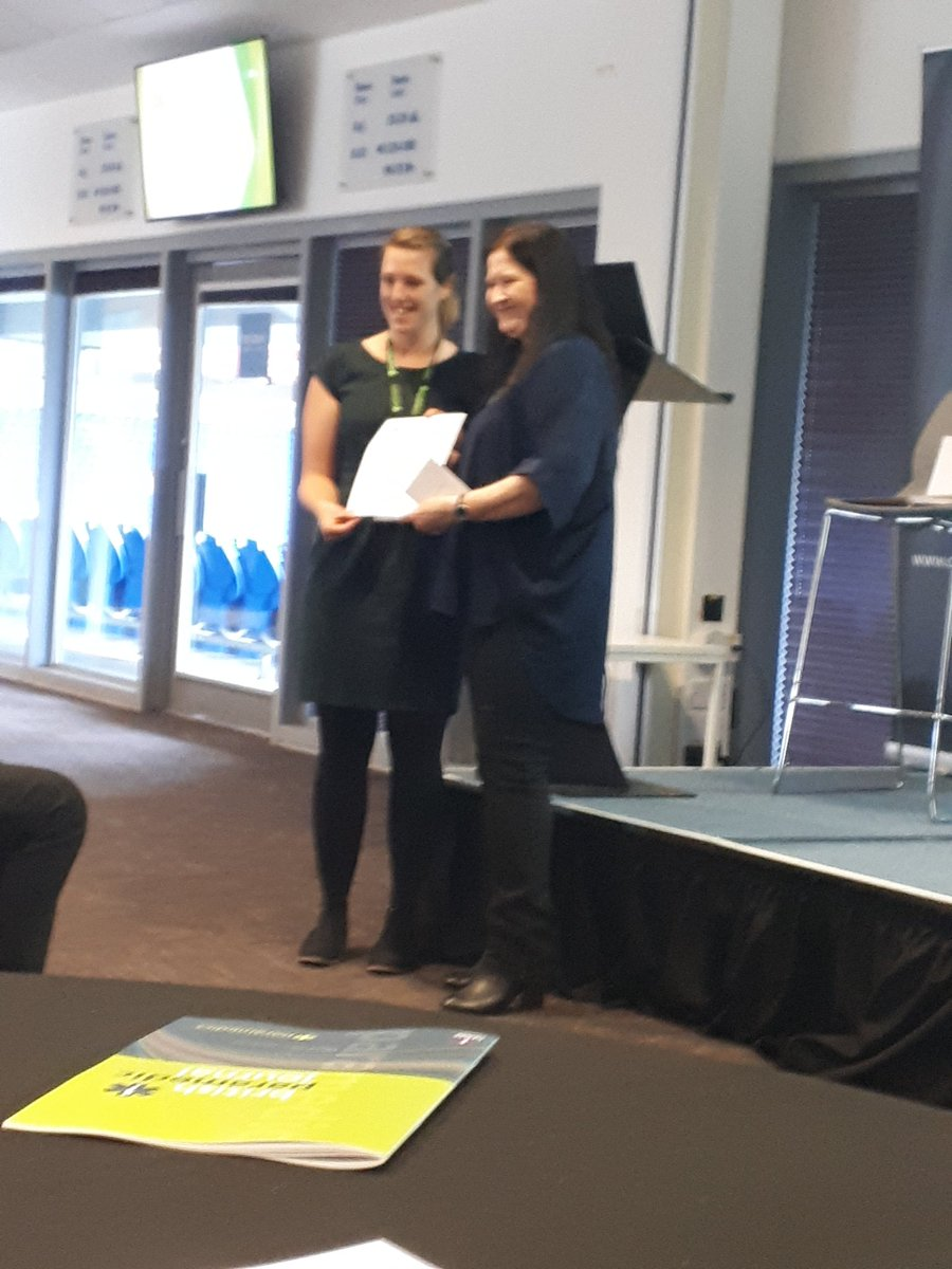 Hannah Lowther from @WelshAmbulance wins award for audience vote on best presentation at COP conference! #CoPResearch19