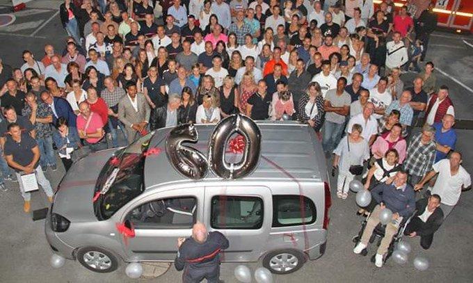 Yvelines. Un pompier devenu tétraplégique reçoit une voiture grâce à la générosité de ses collègues