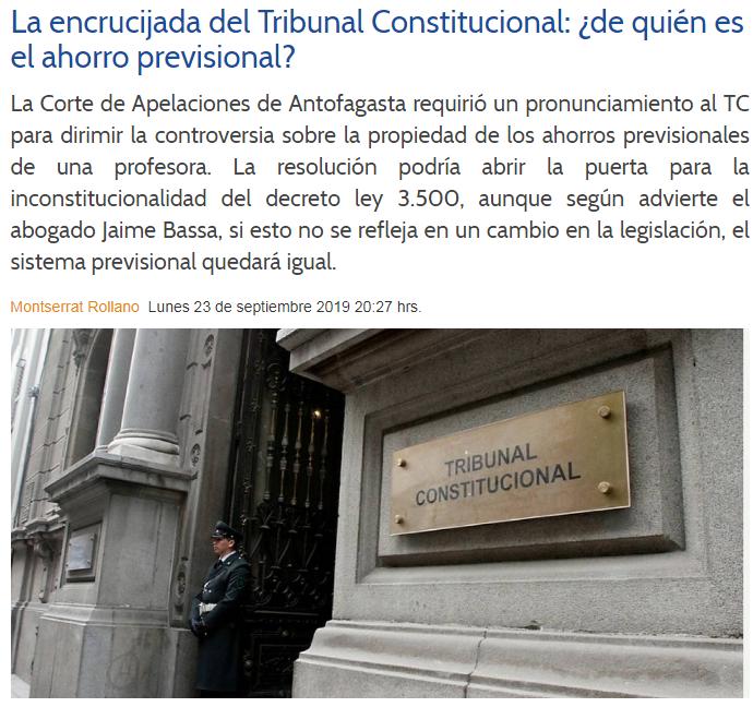 """Presentan libro """"Delitos contra la propiedad"""" del profesor Guillermo Oliver"""