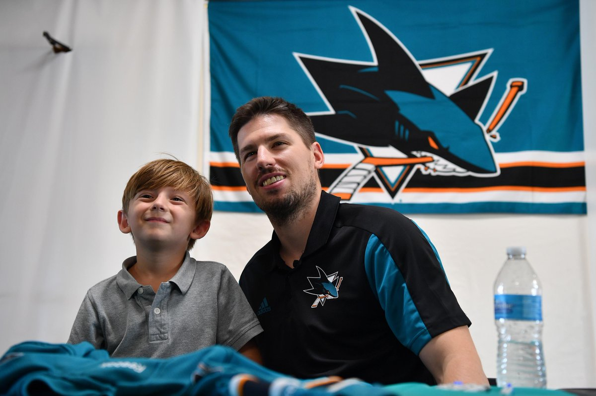 ICYMI: @SanJoseSharks players, led by newly named captain @Logancouture, helped raise over $42K for The Gilroy Foundation in support of those affected by the tragic events July 28 at the Gilroy Garlic Festival 👏 For more: bit.ly/2mBTMvb