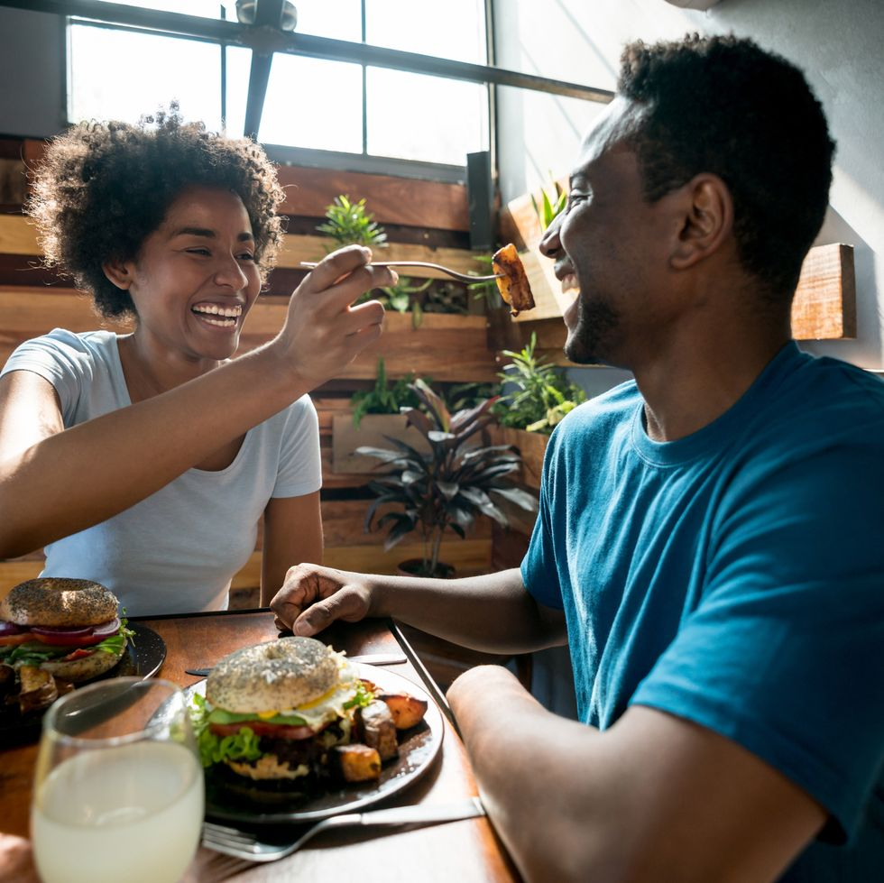 online dating lunch doen jongens op tondel alleen wilt aansluiten