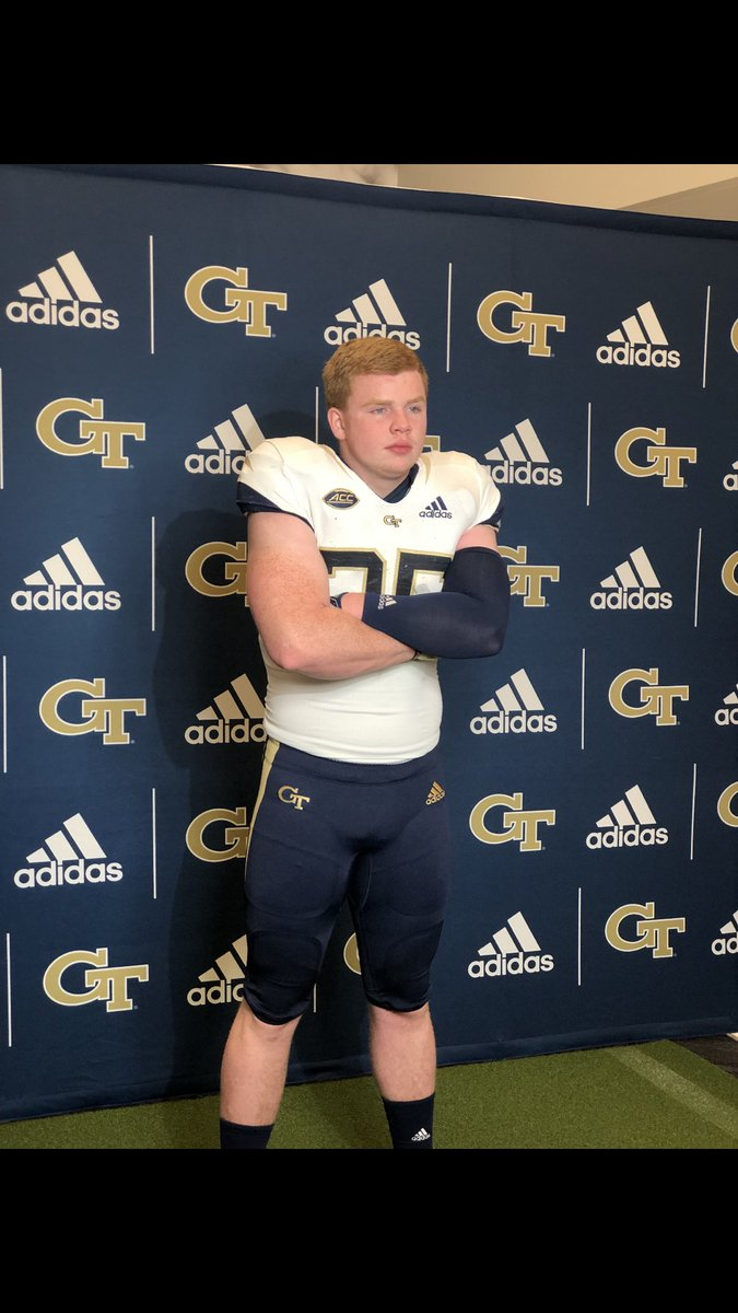 Better late then never so I'm proud to announce that I'll be a preferred walk on at Georgia Tech next year! #404 @coachchoice @CoachCollins
