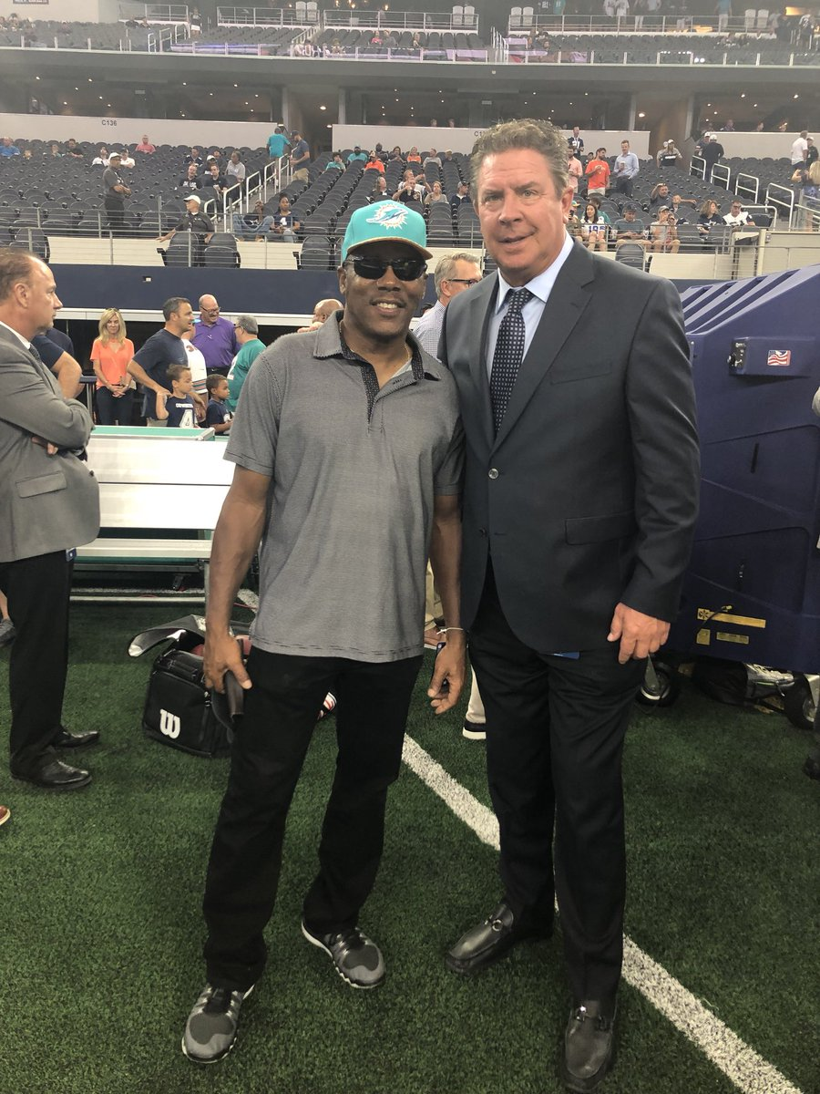 "Always a pleasure chopping it up with my brother @DanMarino AKA ""OG The Original G.O.A.T #brothers4life @MiamiDolphins @UofLFootball"