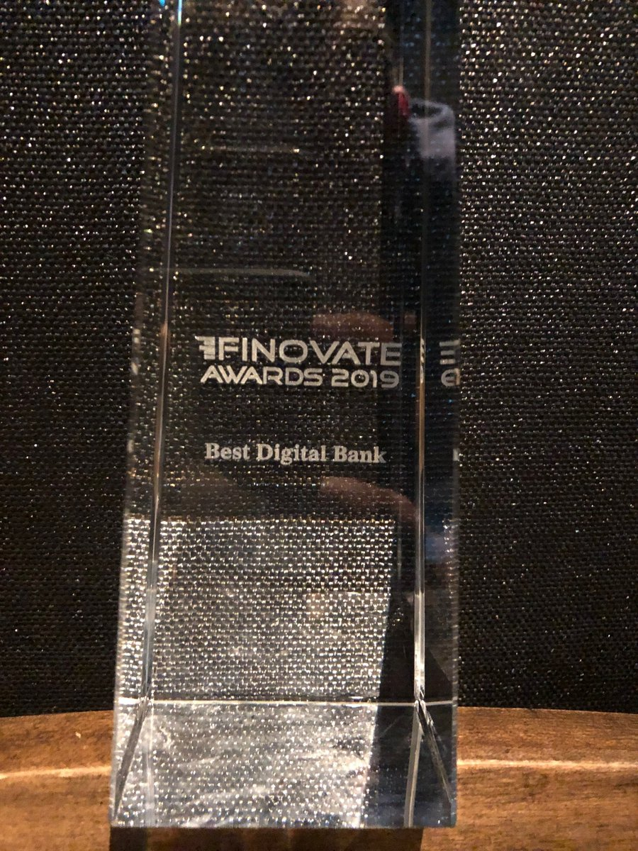 Its been an incredible year for @MoneyLion. And tonight we won the #FinovateAwards for BEST DIGITAL BANK. Really proud of our company for creating great products for our hardworking members. We truly have the best team in #fintech. #Finovate