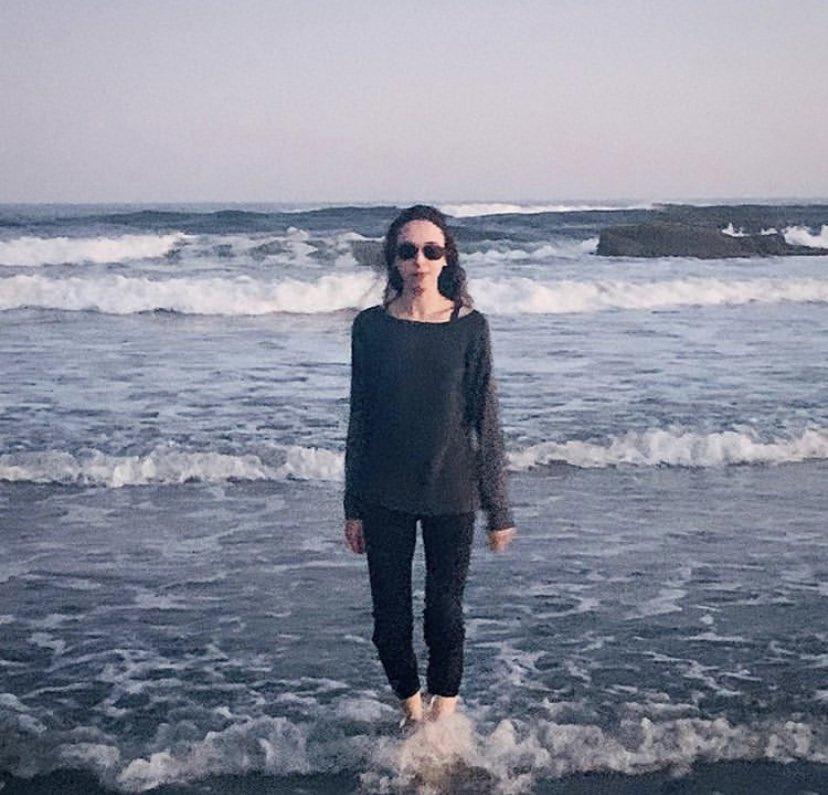 Last days of summer #summer #autumn #ocean #waves #beach #fall #90srock #80s #grunge #gothgrunge #rockgirl #aesthetic #sky #saltlife #nature #whimsical #shred #musician #rock #metal #music #songwriter #lyrics #artist #art #songs #rocknrollpic.twitter.com/P6ndUVvRff