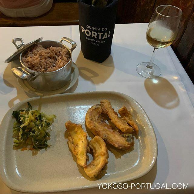 test ツイッターメディア - ポルト名物、タコフライとタコごはん。 #ポルトガル料理  #ポルト https://t.co/sZVDYYLB3s