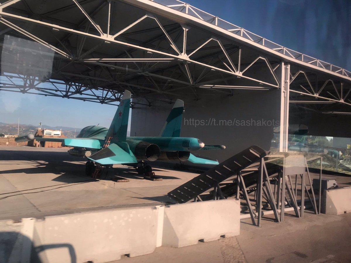 اخر عمليات البناء في قاعدة حميميم الجويه الروسيه في سوريا  EFTUYh0XYAAj4ar