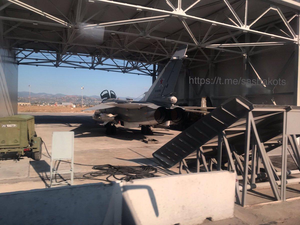 اخر عمليات البناء في قاعدة حميميم الجويه الروسيه في سوريا  EFTUYh4WkAAhgdo