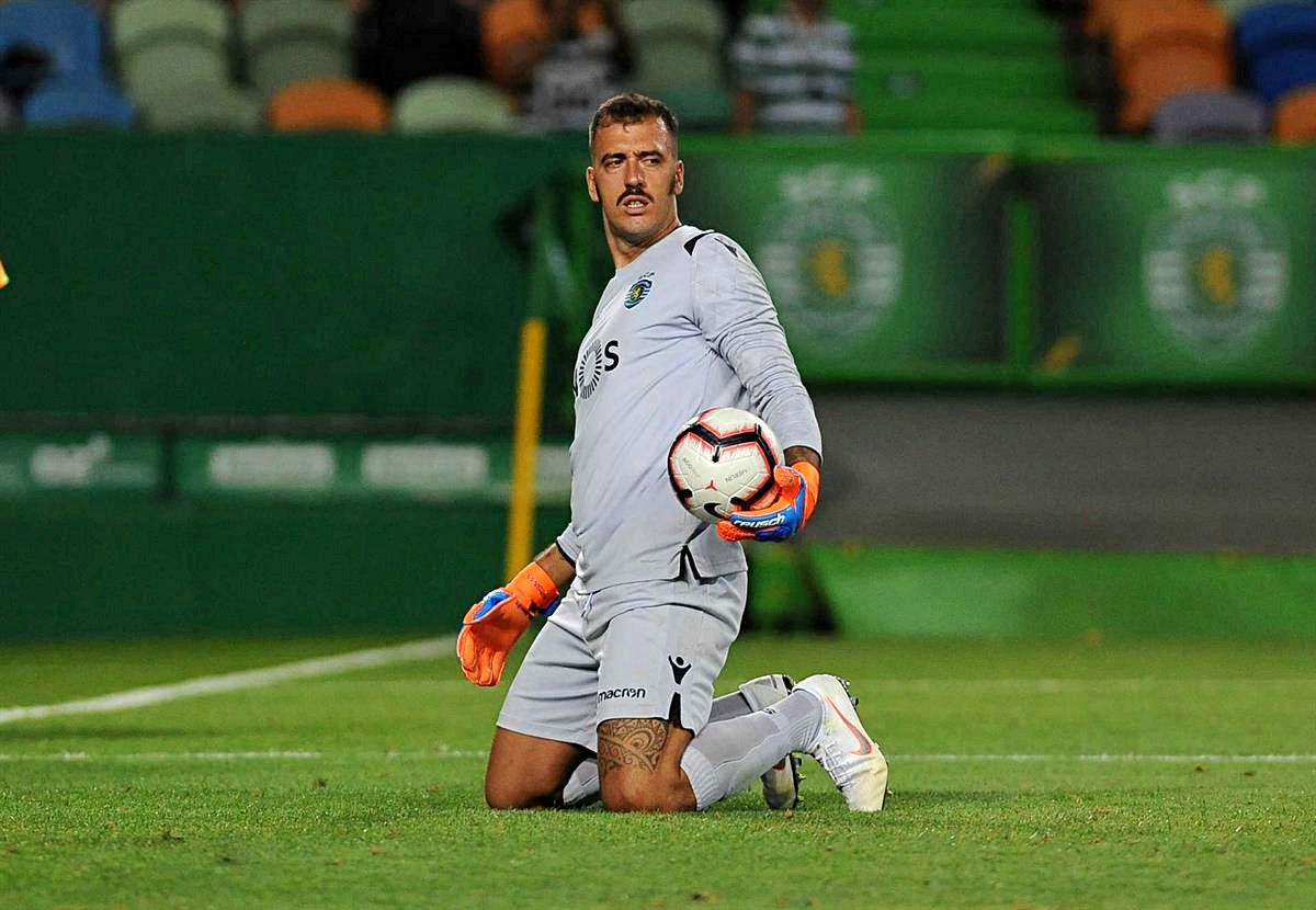 Viviano rescindiu com o Sporting sem nunca ter participado num jogo oficial.