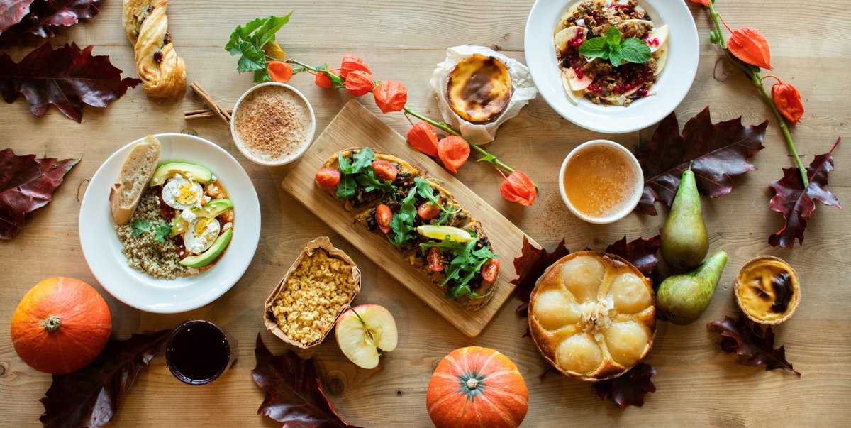 Get your fuzzy socks and scented candles ready because our World of Warmth Fall Menu is officially available in all of our restaurants today. 🤤🍂🍁 #WorldOfWarmth #fall2019 #vegan #lepainquotidiennl https://t.co/CLXUlYNoMb