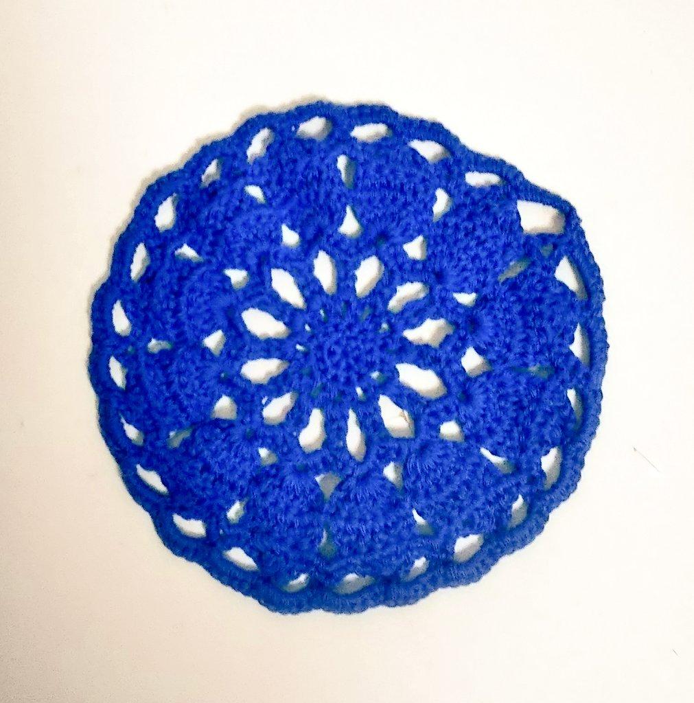test ツイッターメディア - アイロン掛けがまだなので完成した訳ちゃいますが、ドイリー編みました✳️ 編み図は@_himehima_様の #100ドイリー No.28♥ hime*hima様のドイリーは編んでてとても楽しいので、度々お世話になっています。 #ダイソー の #コットンヤーン を3号かぎ針で。 #かぎ針編み #編み物 #ドイリー #手芸 https://t.co/NEphyaWUHC