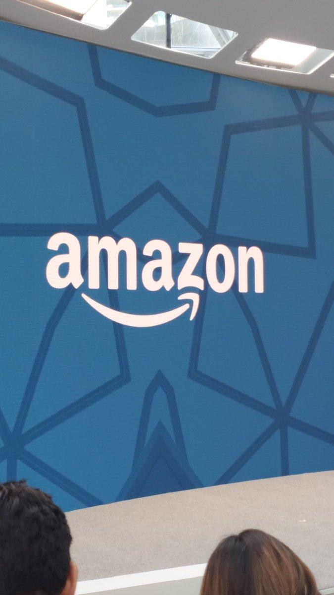A pocos minutos que inicie el evento #amazon #amazonevent ¿qué dispositivos crees que llegarán al evento? Descúbrelo con nosotros