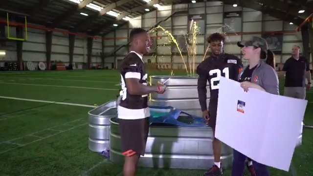 Behind the Scenes: Friends Starring the Cleveland Browns 🎥