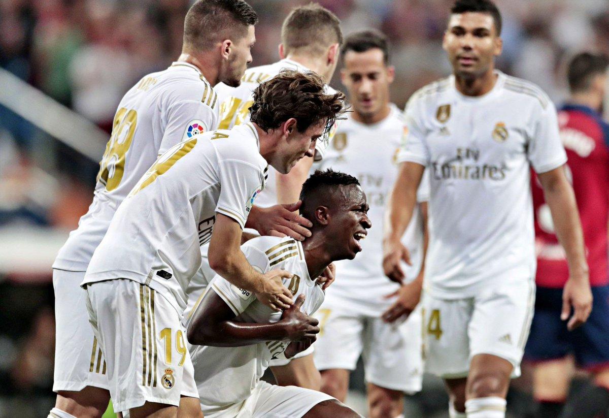 A emoção de Vinícius Jr. ao marcar o seu primeiro golo da temporada.