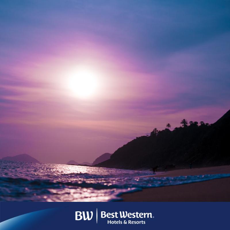 Maravilhoso pôr do sol na cidade de Natal 💙 Descubra esta bela cidade e fique hospedado no Best Western Premier Majestic Ponta Negra Beach: https://t.co/M0ZTNMfsRx https://t.co/hg1H4tzgbH