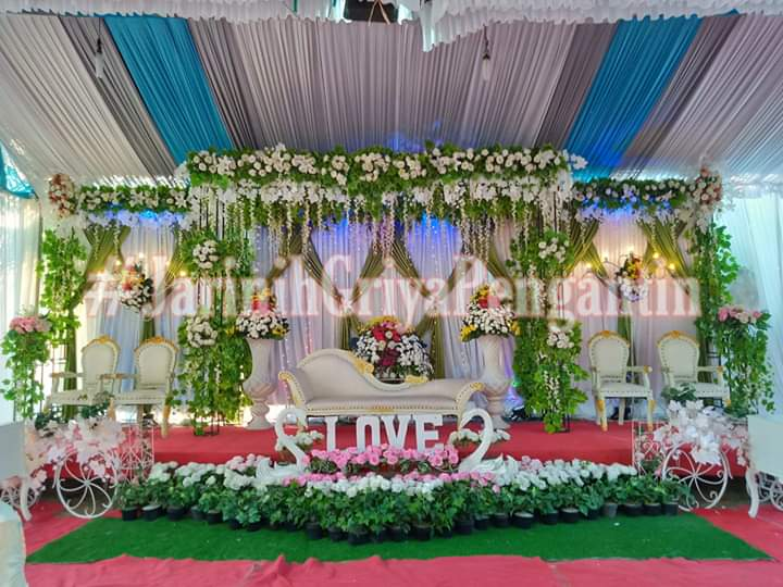 On jobs,, Wedding today 🤵👰 Erwin & Iswatun 24-25 September 2019  #weddingorganizer #WOIndramayu #indramayu #hijabsiger #beautiful #pengantin #gaun #gown #hijabpengantin #weddingday #weddingorganizerIndramayu https://t.co/ygdz9grivQ
