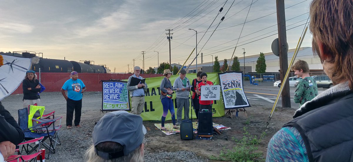 Everyone joined occupella in multiple great performances! #StopZenith #StopTarSands #StopOilTrains