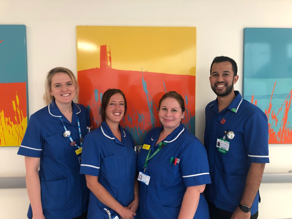 We would like to congratulate our amazing work experience team for being awarded radiographer @SCoRMembers team of the year (south west)🏆@MusgrovePark We are so proud of @kellylouisetuke @Naman_Julka @shannolivia97 & El Barker. #radonc #oneteam for inspiring future generations
