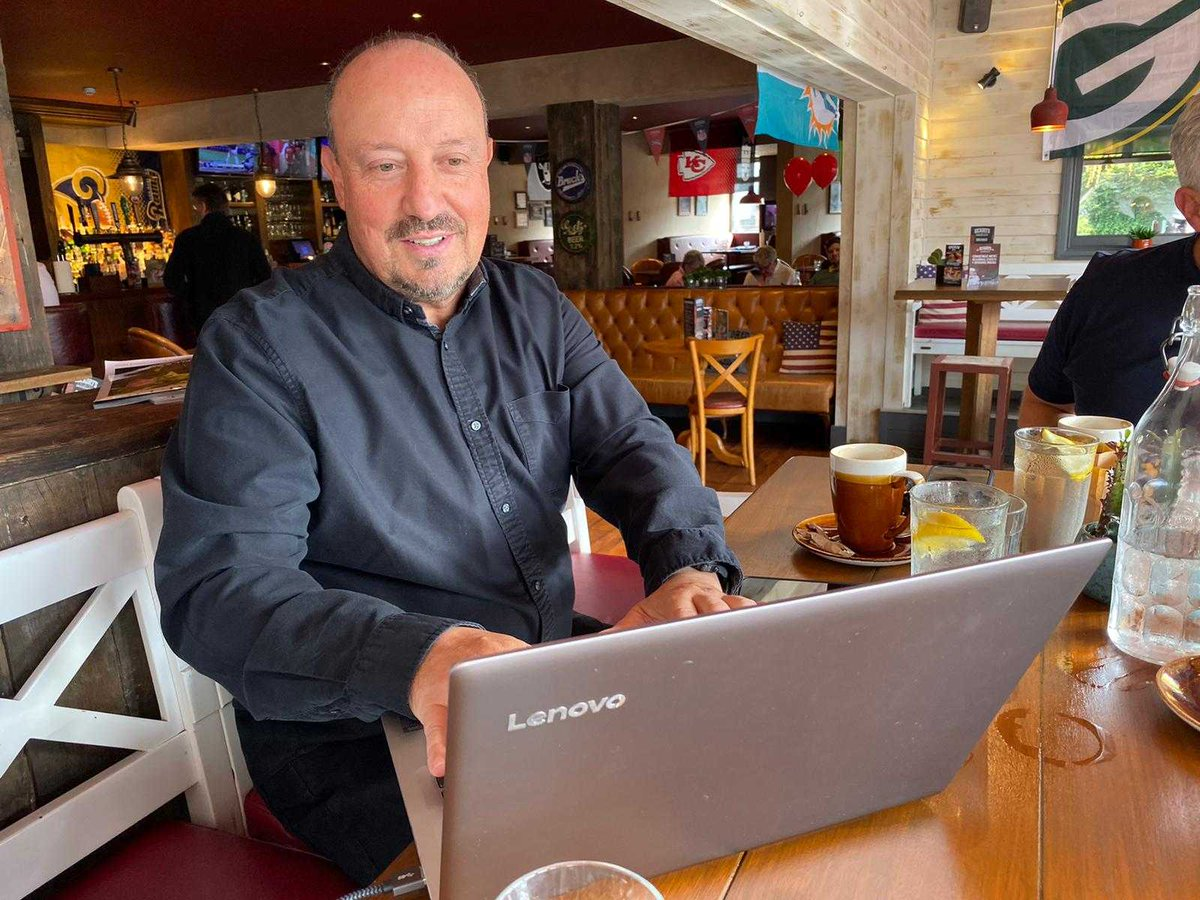✨  LIVE NOW ✨  💬 Q&A with @rafabenitezweb running now until 1pm.  ➡️ http://theathletic.com/1236585/?source=twitterhq…