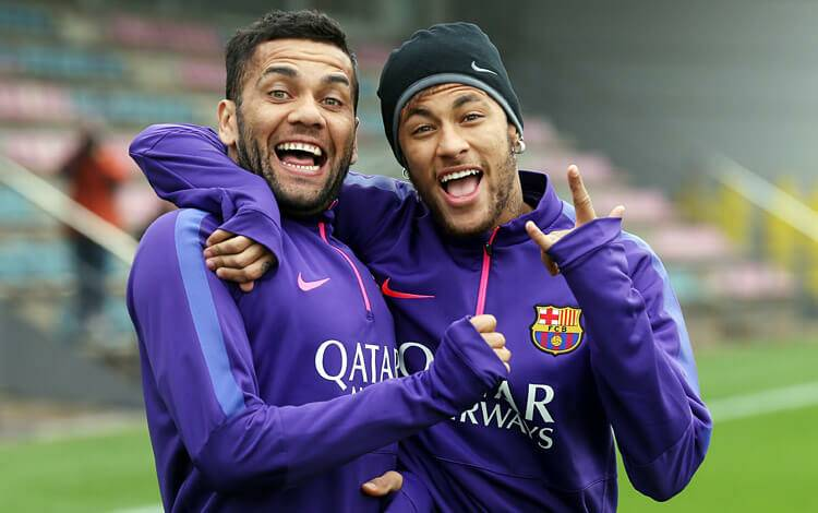 🎙️ [MARCA] | Dani Alves: Im sure that if Neymar wants to return, he can. 🔊 Neymars happiness still resides in Barcelona. I think he should leave PSG and return to Camp Nou., he said in an interview for Business Insider.