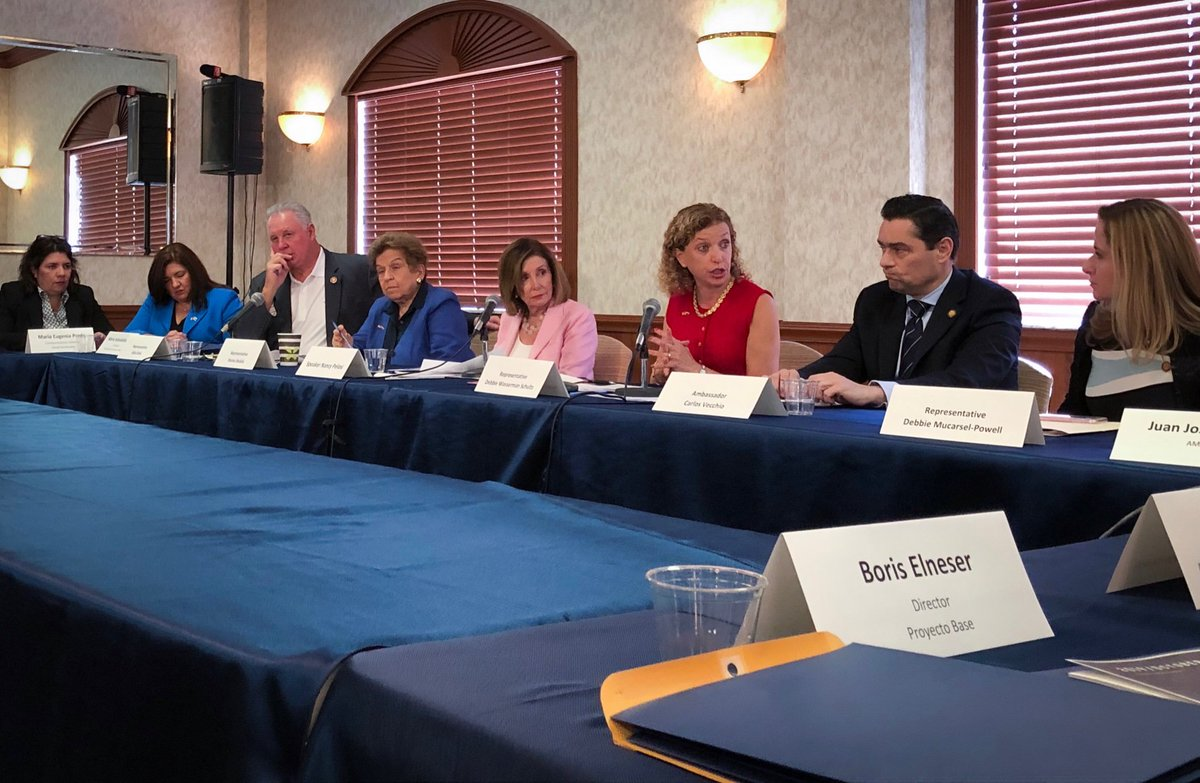 .@HouseDemocrats stand with the people of Venezuela. It was an honor to join @RepDWStweets, @RepShalala, @RepDMP, @RepSires and the U.S. Venezuelan community in FL today to fight for TPS, for human rights and for democracy in Venezuela.
