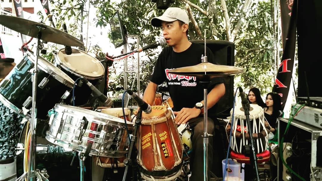 #dangdut #dangdutkoploindonesia #koplotime #dangdutkoplopic.twitter.com/sNwjW6uIn2