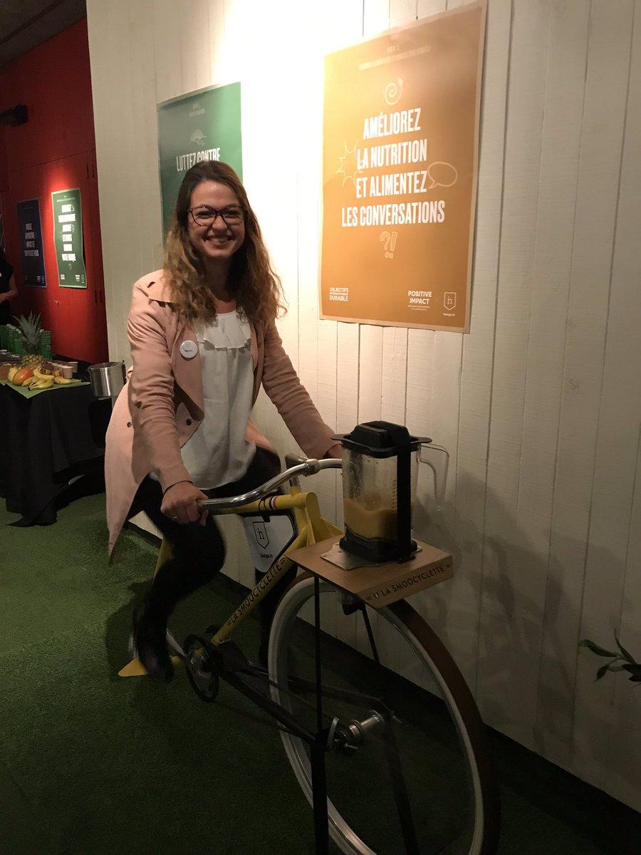 Découvrez la smoocyclette à la #positivenight de l'@Agence_Insign 🚲🍎 Une façon positive de manger ses 5 fruits et légumes par jour !