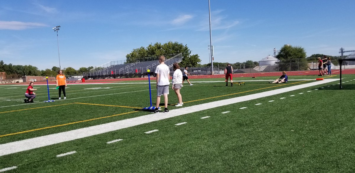 What a gorgeous day to start our yard game unit!  Enjoying the beautiful weather and some bags, washers, spikeball, kan jam, ladder golf, yardkle, yardzee, and disc bonk! #CHSPEROCKS <br>http://pic.twitter.com/5TXZWJsy82