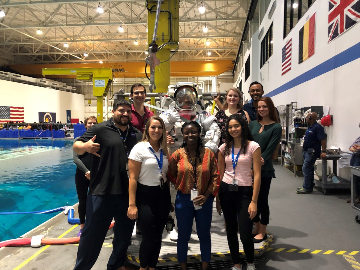#TBT: How would you like to have the opportunity to meet a NASA Astronaut⁉️ Our @NASAJSCStudents at @NASA_Johnson went on a tour of the Neutral Buoyancy Lab last week, where they were able to meet astronaut Victor Glover. 🤩👨🚀 Learn more at intern.nasa.gov #NASAinterns