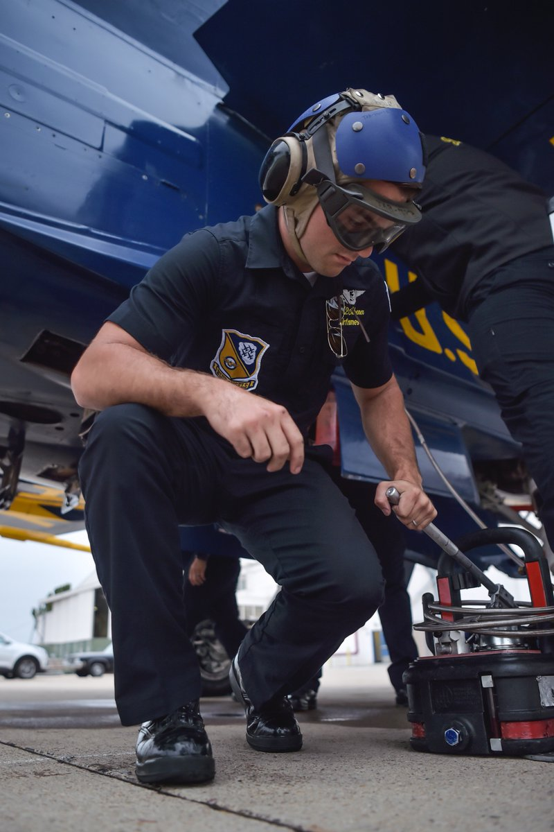 Your #BlueAngels are in beautiful Southern California for the MCAS Miramar Air Show!