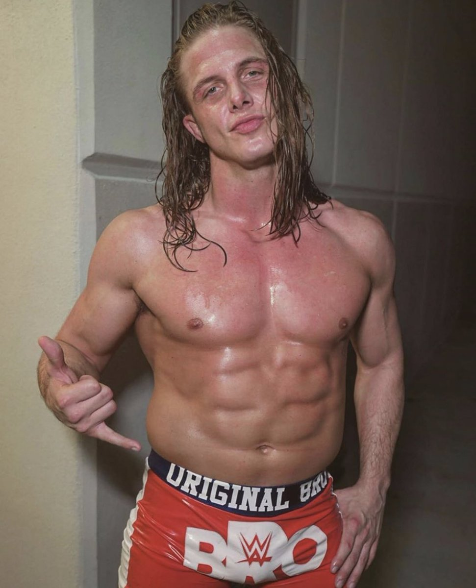I've been beaten and abused called a loser and an idiot lost family and friends but the struggles of my life make this moment in time so much sweeter! Thank you to everyone that's been a part of this journey good or bad you played your part #stallion #bro #ob #kingofbros https://t.co/HNVMwsIPQk