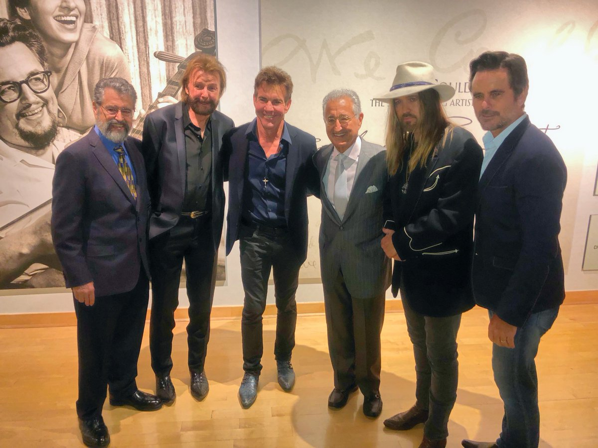 What a great nite honoring @BoudAndFelice with #DaneBryant, @RonnieDunn, @DQsharks, #DelBryant and @CharlesEsten. @countrymusichof