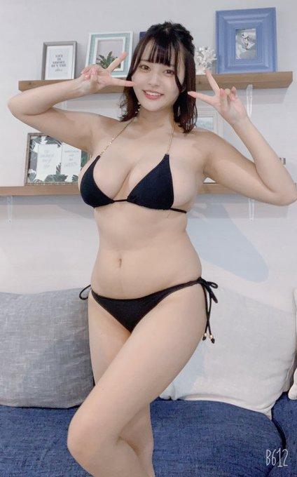 グラビアアイドル彼方美紅のTwitter自撮りエロ画像9