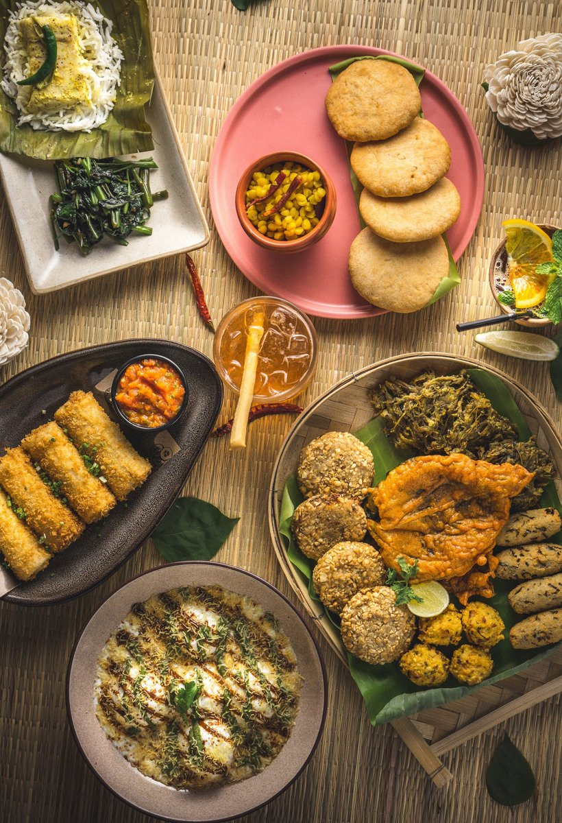 Sponsored: When in Kolkata for Pujo, try Monkey's Bar's Chayna Ochayna menu specials, where home chef Iti Misra re-imagines Rosogollas in chaat bowls and marries off Bangkok noodles to Jaali prawns. September 27 to October 11. Details here: bit.ly/2nGS0cJ. @monkeybarkol