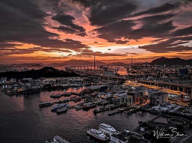 Repost @wshum28 ・・・ #hongkong #pixelpanda_hk #explorehongkong  #hongkonginsta #hkphotography #lifewelltravelled #utravelhk #hkig #hkiger #unlimitedhongkong #igershk  #ighker #hkgram #instahk #ipschallenge #hongkongphotography #instameethk #huawei #as… https://ift.tt/2m9ZKDJpic.twitter.com/PQGkEyN8VV