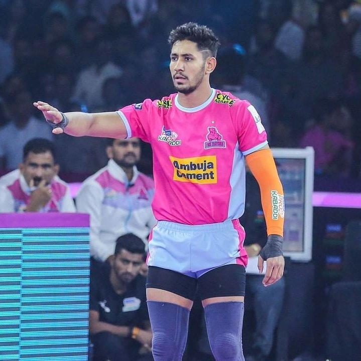 Sandeep Dhull still leading the tackle points chart with 65 points in the Pro Kabbadi League 2019 . . . . . . #sandeepdhull  #jaipurpinkpanthers  #tacklepoints  #numerouno  #pkl  #kabaddi  #pkl7  #indiansportsbeat #lead #prokabaddi