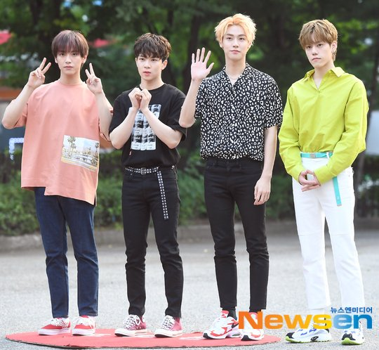 N.Flying will make their comeback in October with a title track produced by Lee Seunghyub   https:// n.news.naver.com/entertain/arti cle/609/0000178337  … <br>http://pic.twitter.com/OSfW8zZ3kY