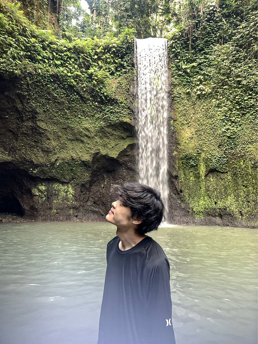 Nature never goes out of style - - - #jackychew #bali #throwback #waterfallphotography #bestwaterfalls #waterfallhike #waterfall_lover #waterfall  #waterfalllovers #baliwaterfall #waterfalladventures #waterfallselfie #waterfallsofinstagram #wanderlust #adventure #travelgram