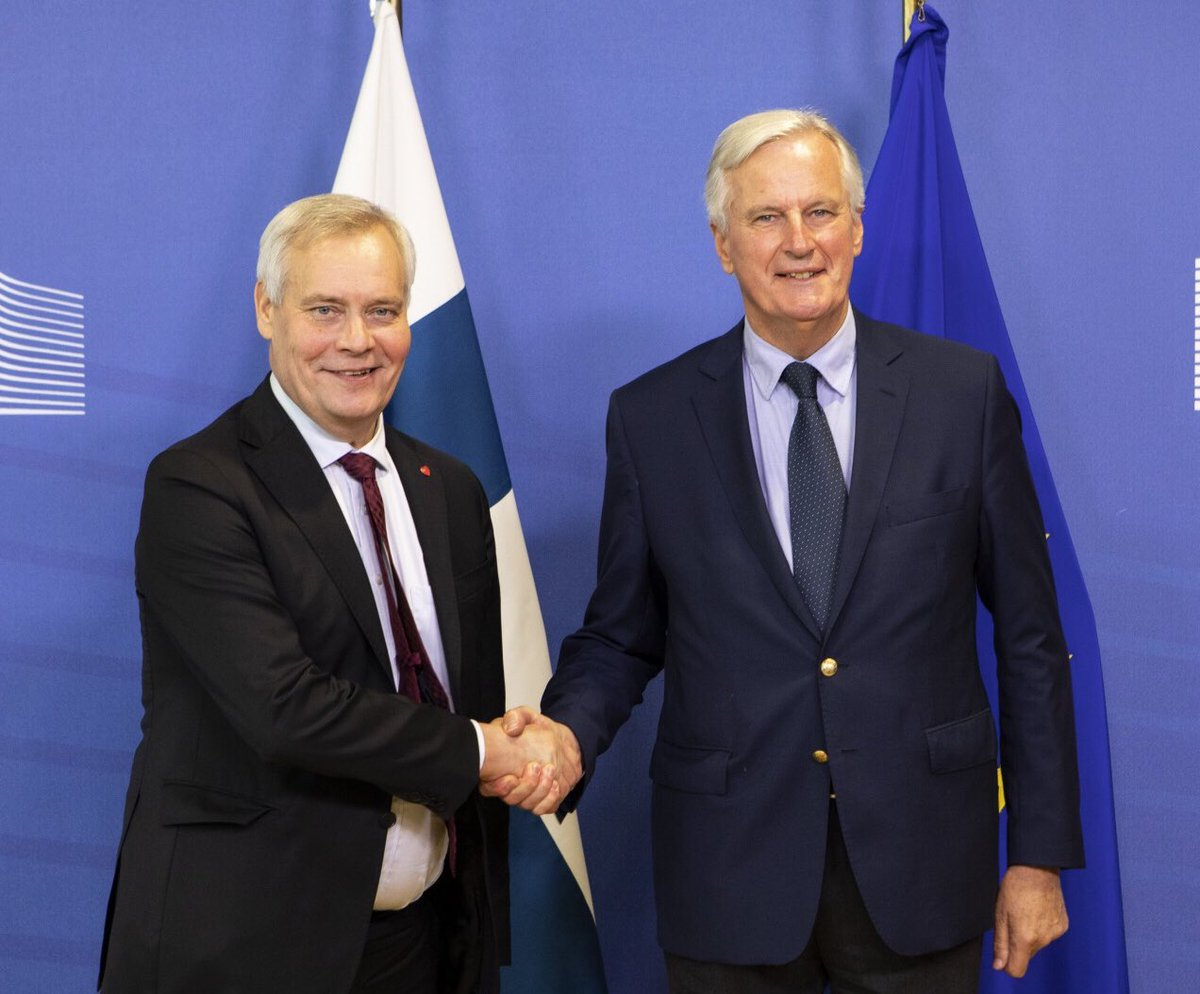 Happy to meet PM @AnttiRinnepj today in Brussels. @EU_Commission working hand-in-hand with @EU2019FI Presidency on #Brexit. We continue to defend EU27 interests and values, based on #EUCO guidelines. We stand united. 🇫🇮🇪🇺