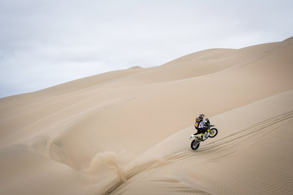 Today is Wednesday, and you know what that means! It's #WheelieWednesday!   #Dakar2020 <br>http://pic.twitter.com/js3YmLpGsv